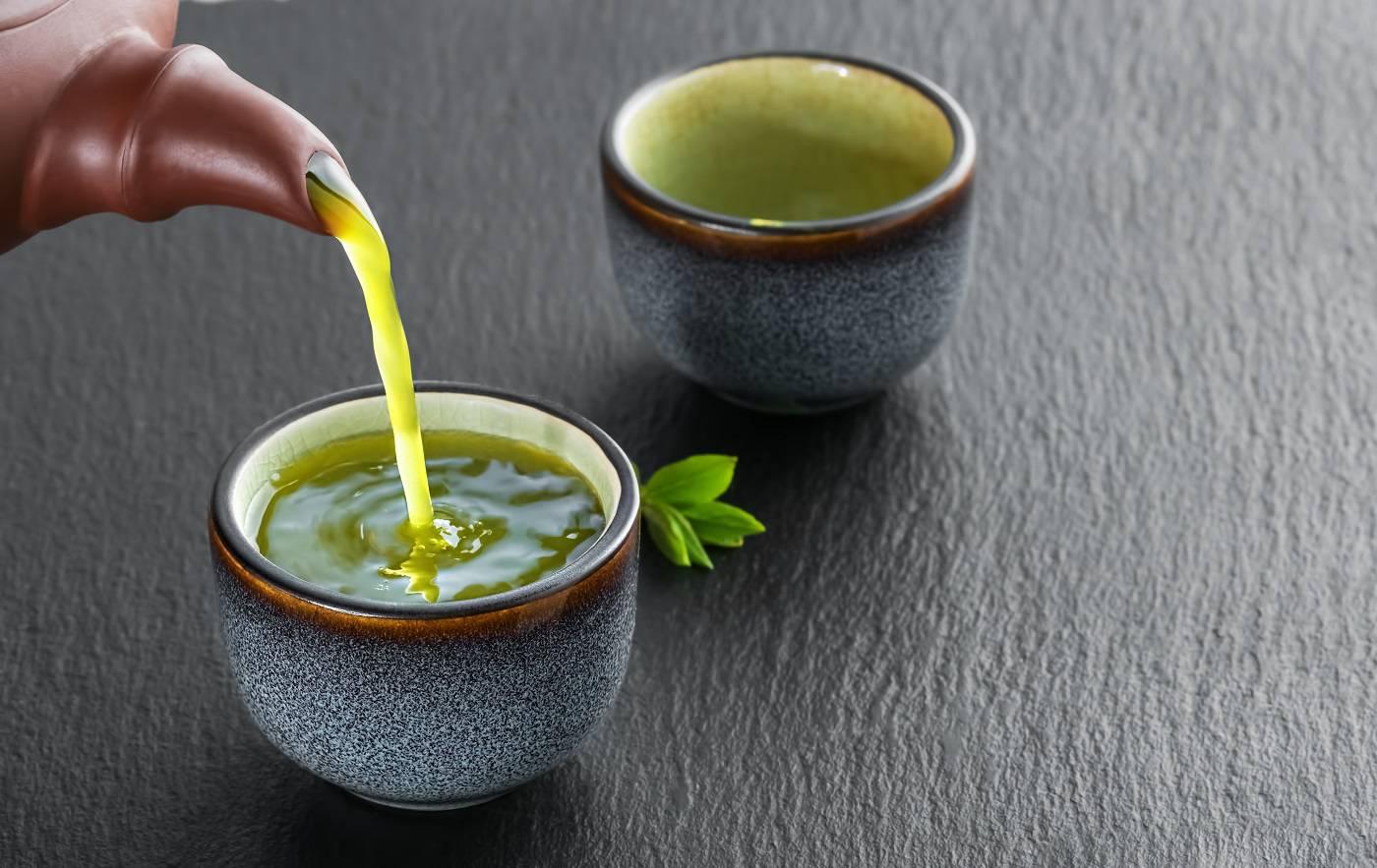 hot-green-tea