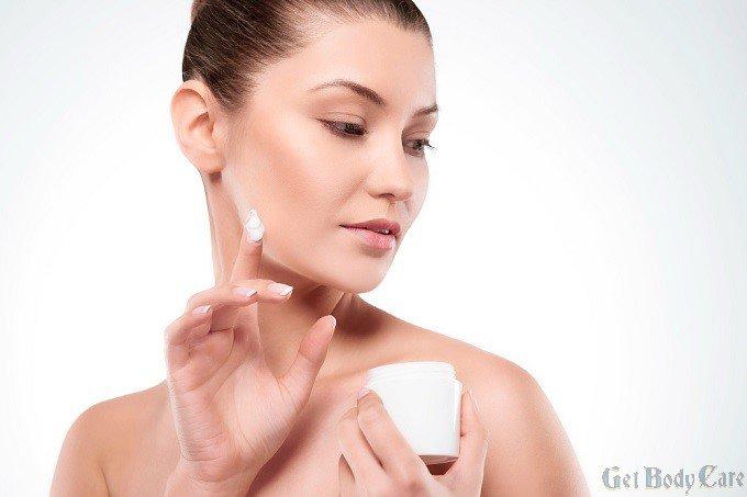 beautiful-woman-using-moisturizing-cream.jpg